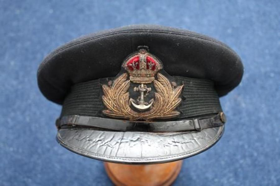 WW1 SMALL PEAK ROYAL NAVY OFFICERS CAP