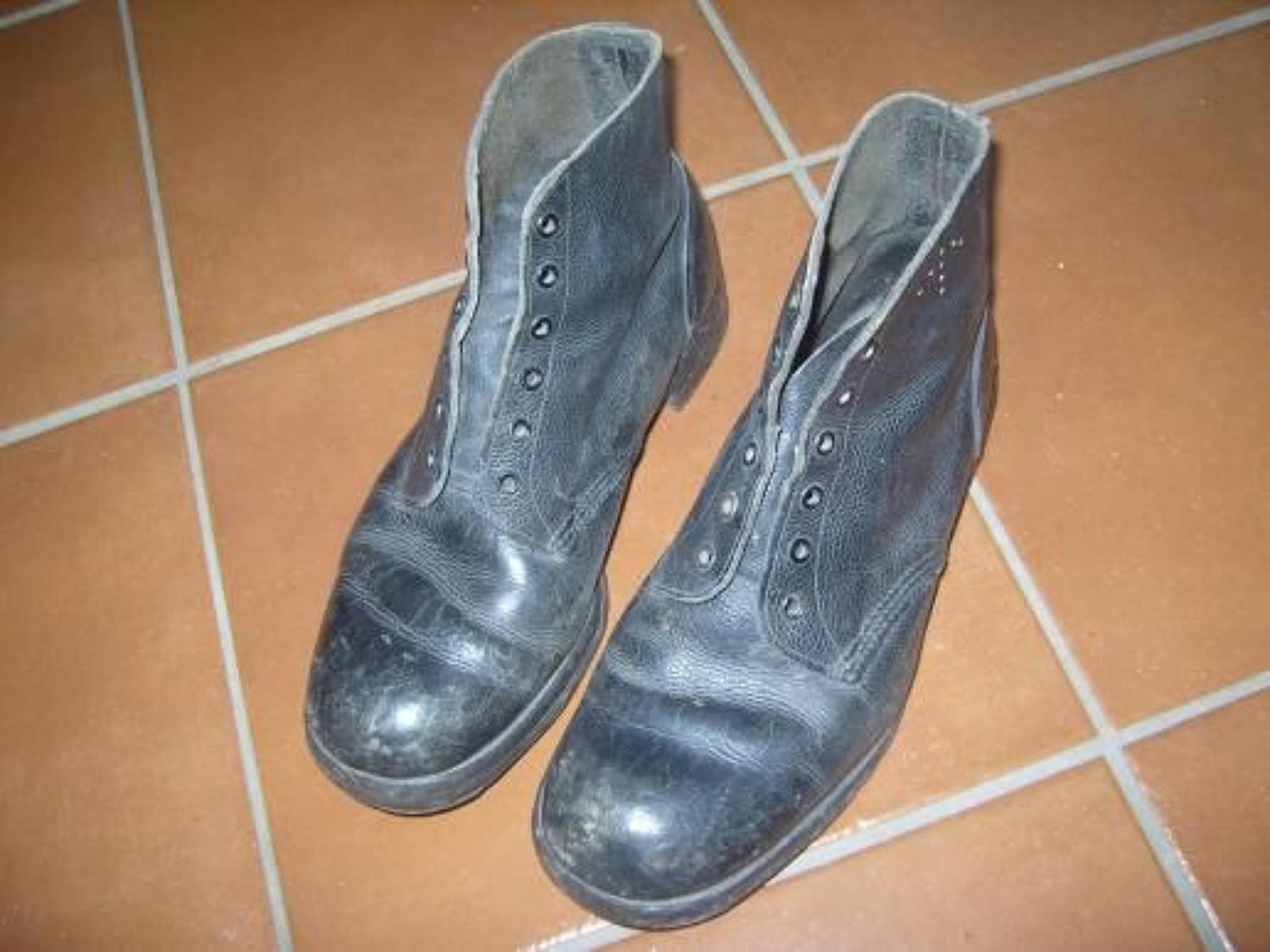 British 1918 dated ROYAL NAVY Leather deck boots.