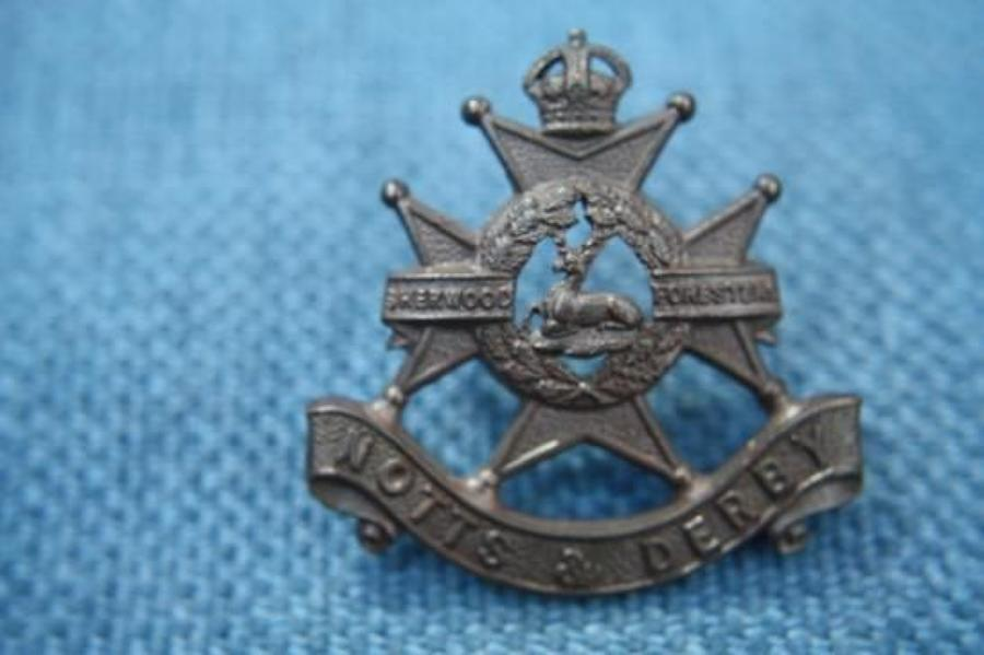 Original Bronze WW1 British Army Officer's Cap Badge. Notts & Derby
