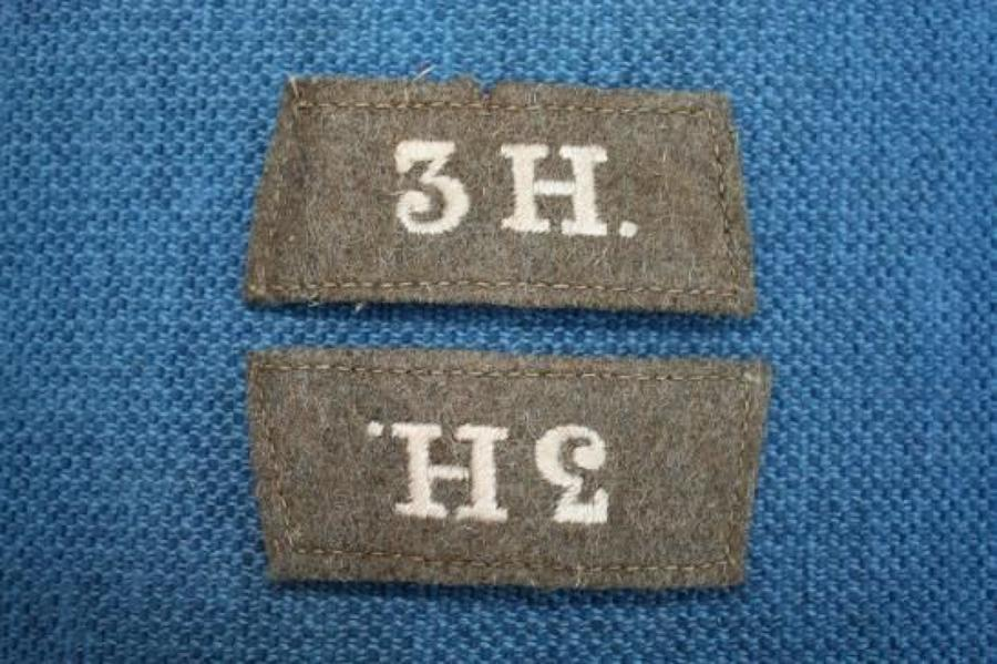 ORIGINAL PAIR OF WW1 3rd KINGS OWN HUSSARS KHAKI SLIP ON SHOULDER TITL