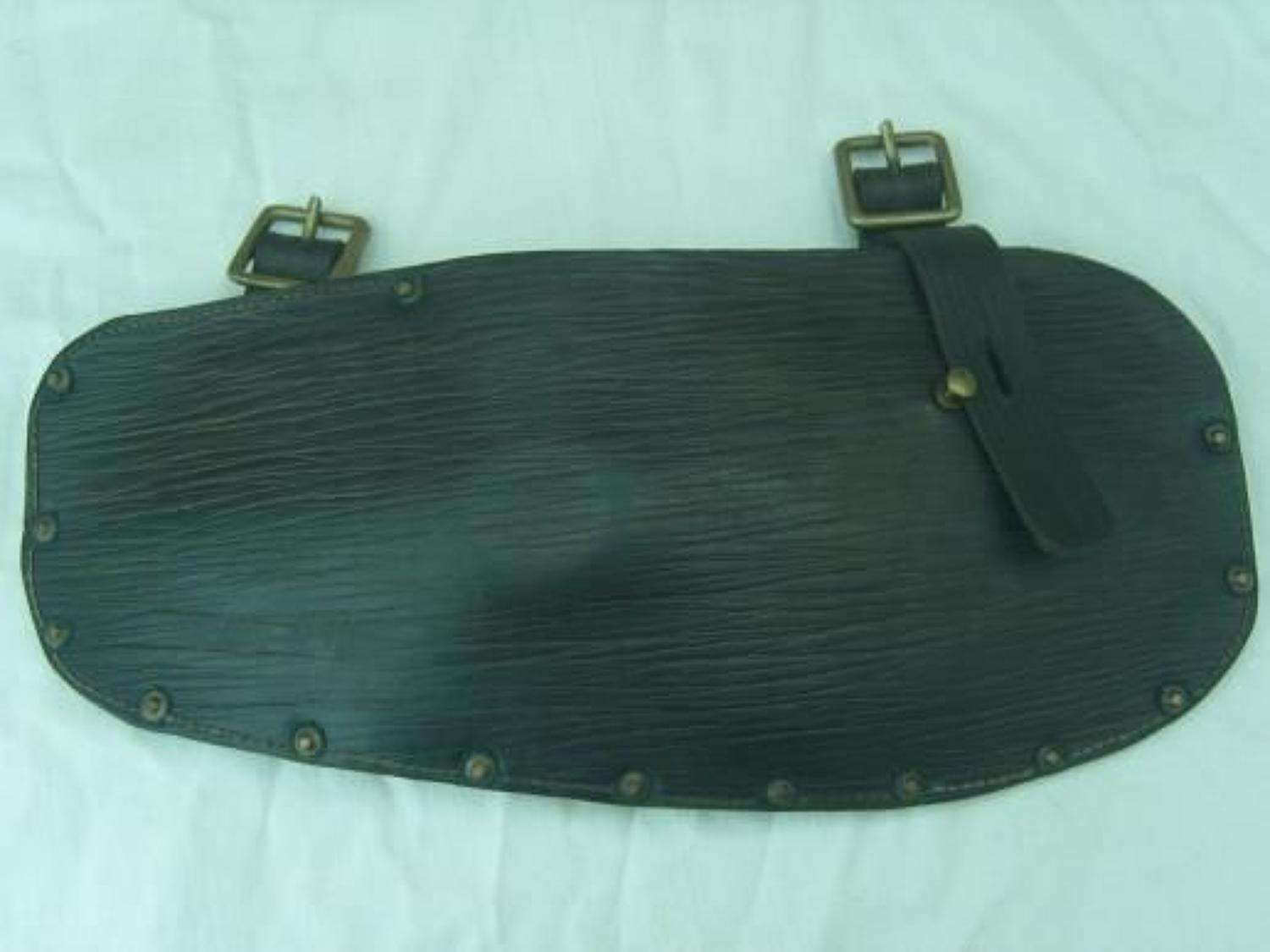 Original British 1914 pattern leather entrenching tool head carrier