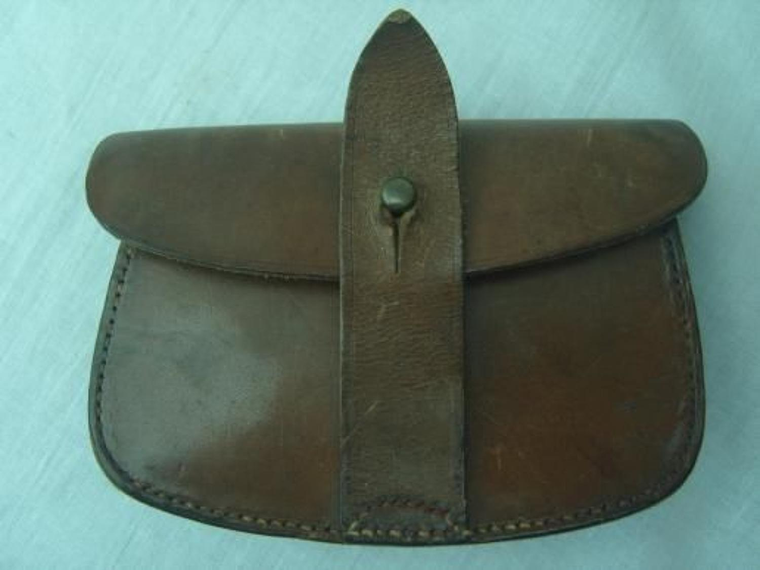 WW1 1918 DATED OFFICERS WEBLEY LEATHER AMMUNITION POUCH