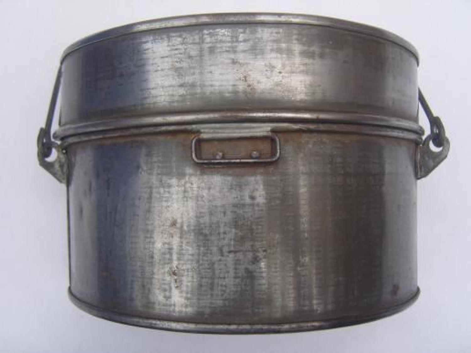 WW1 BRITISH INFANTRY MESS TINS DATED 1918