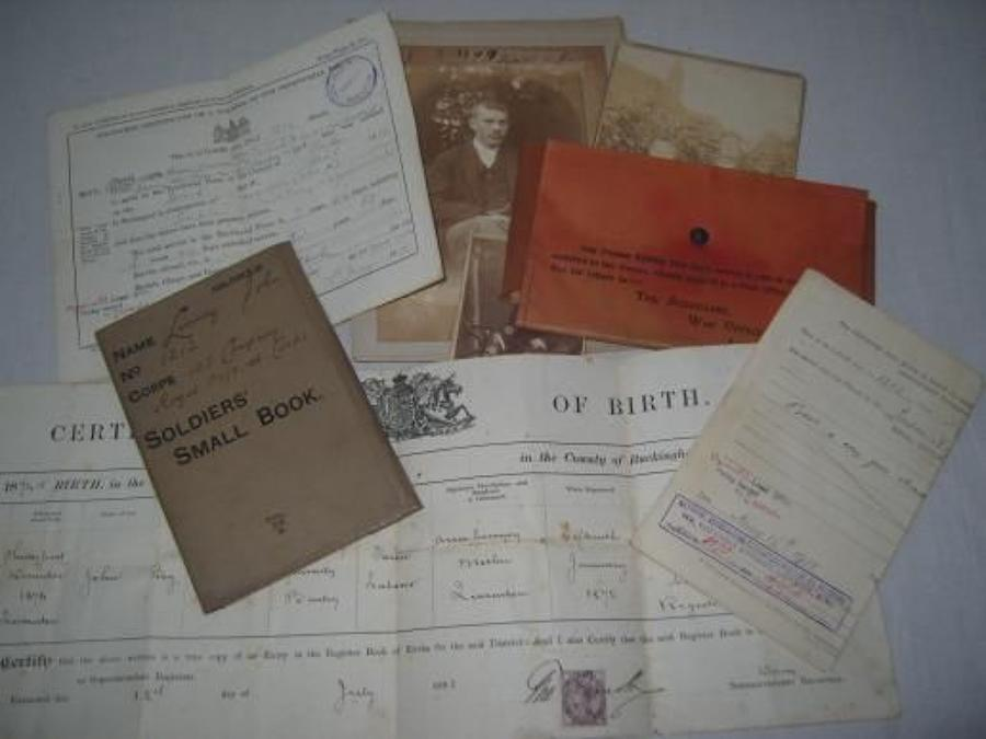 WW1 SOLDIERS SMALL BOOK, PHOTO & PAPERS
