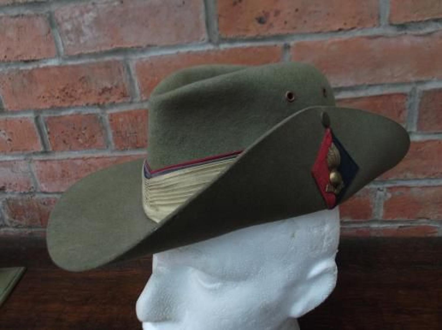 Good WW2 Australian made 1942 dated Slouch Hat: Royal Artillery.