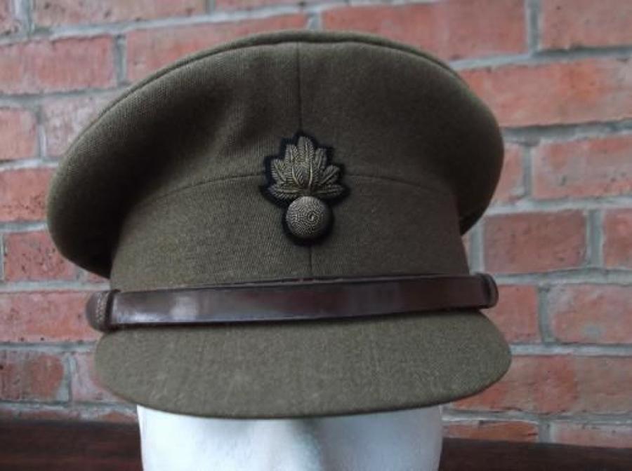 BRITISH WW2 GRENADIER GUARD OFFICERS KHAKI SERVICE DRESS CAP.