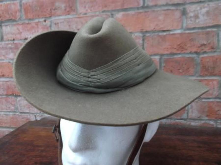 Good WW2 Australian 1942 dated Slouch Hat