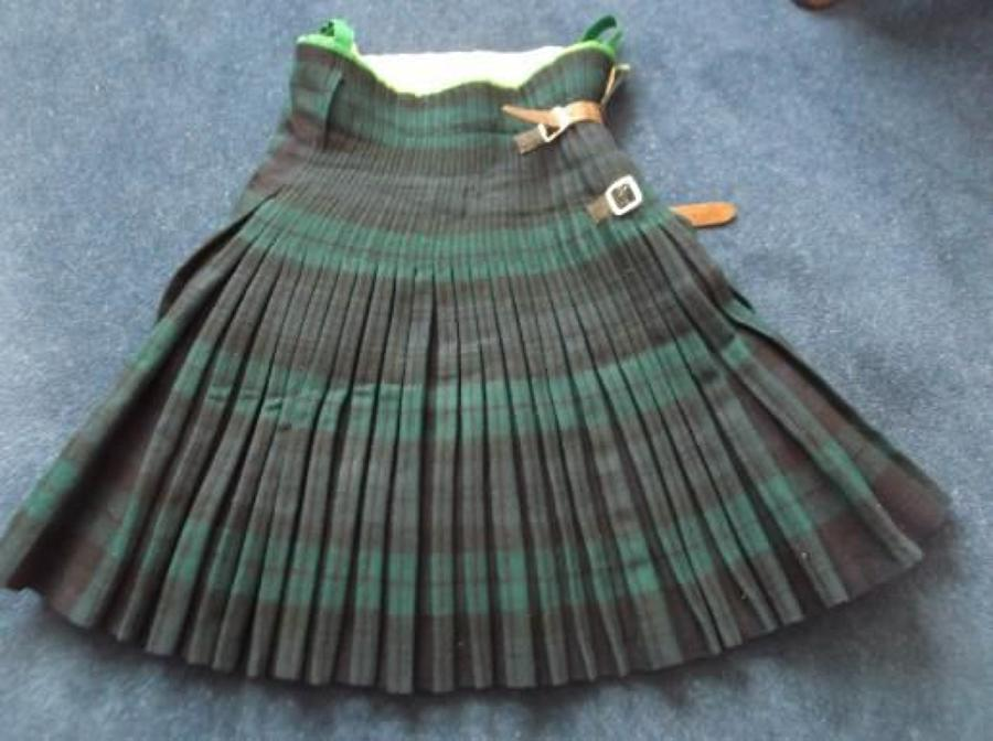 EARLY WW2 SCOTTISH ARGYLL & SUTHERLAND HIGHLANDERS KILT