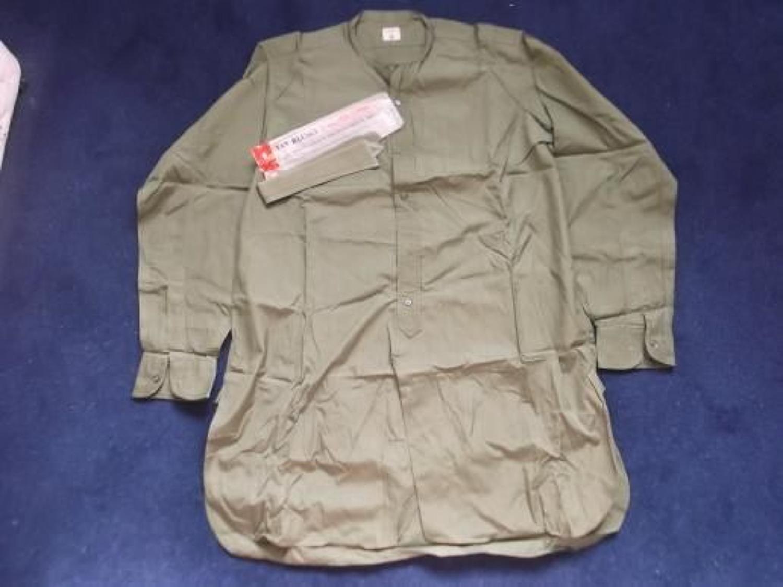 Jungle Green Officers Van Heusen shirt & Separate Collar.