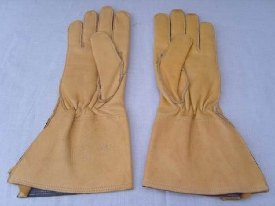 YELLOW  LEATHER WW2 MOTORCYCLIST GAUNTLETS