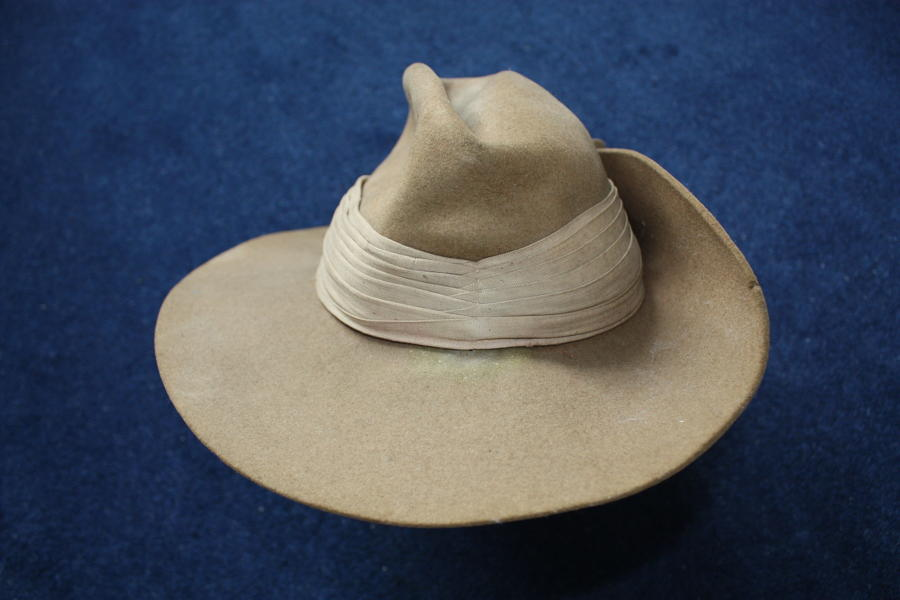 WW2 British/ Australian Slouch Hat dated 1945
