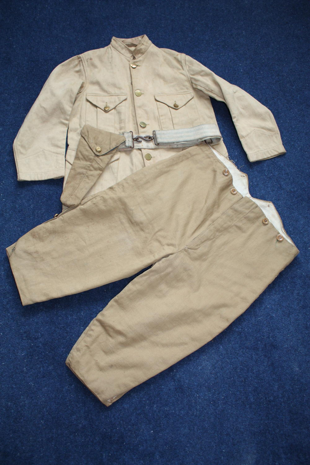 WW1 AMERICAN US KHAKI CHILD'S OFFICER TUNIC, TROUSERS & BELT/HOLSTER