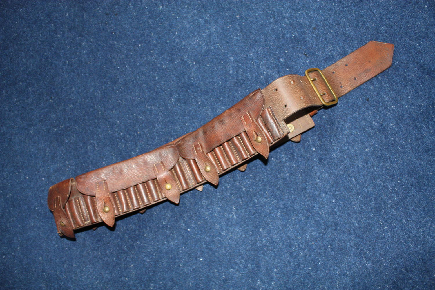 1901 Dated Boer War British Army leather bandolier / belt