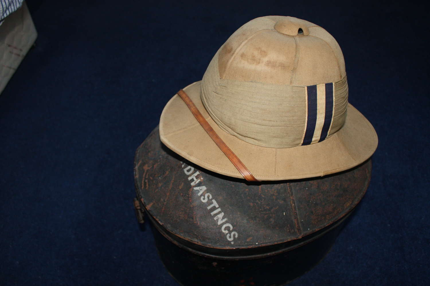 WW1 British Khaki Drill Pith Helmet & Tin to the 7th Hussars