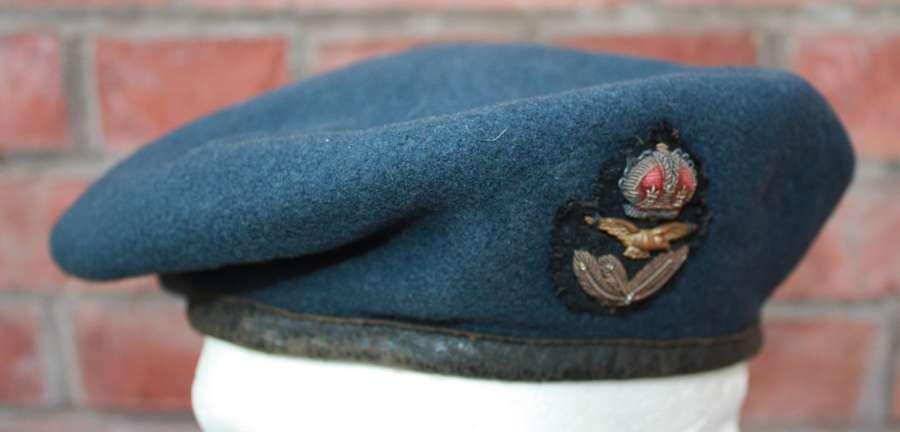 Late WW2 RAF wool Beret 1944 War Department M