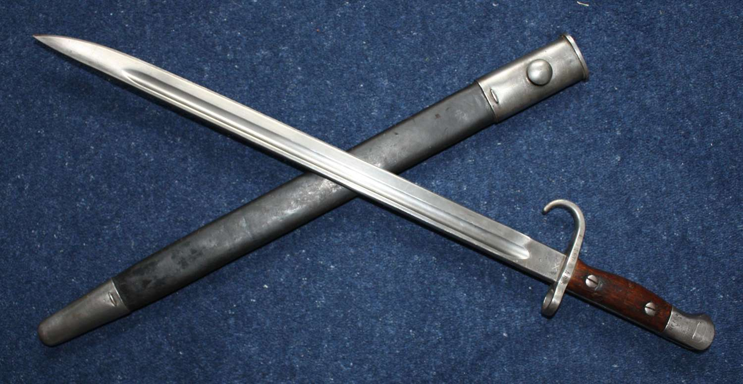Australian 1907 Hooked Quillon Lithgow Bayonet and Scabbard .