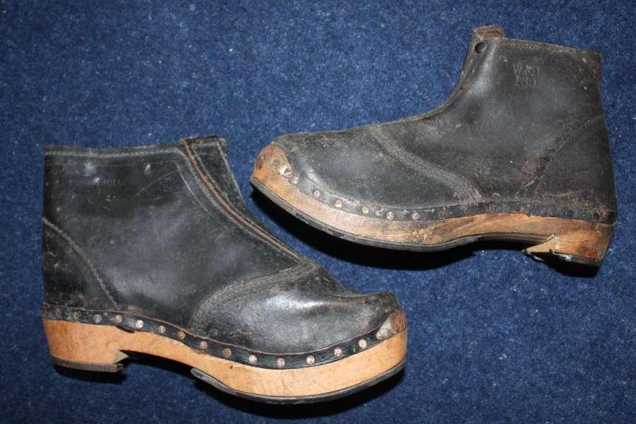 Rare unworn WW1 British Army pair of Miners clog boots.