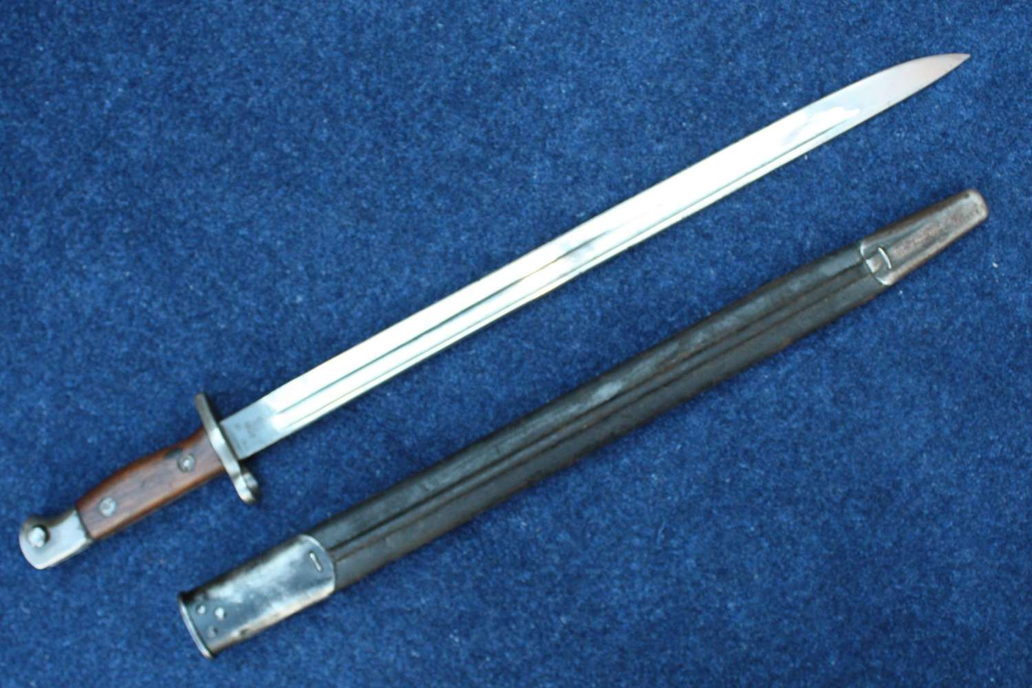 WW1 British 1907 Bayonet and Scabbard By Sanderson