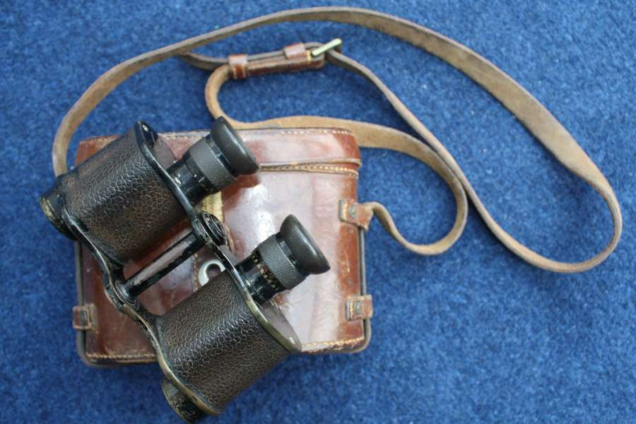 1914 dated WW1 British Army Officer's Ross Binoculars in Leather case.