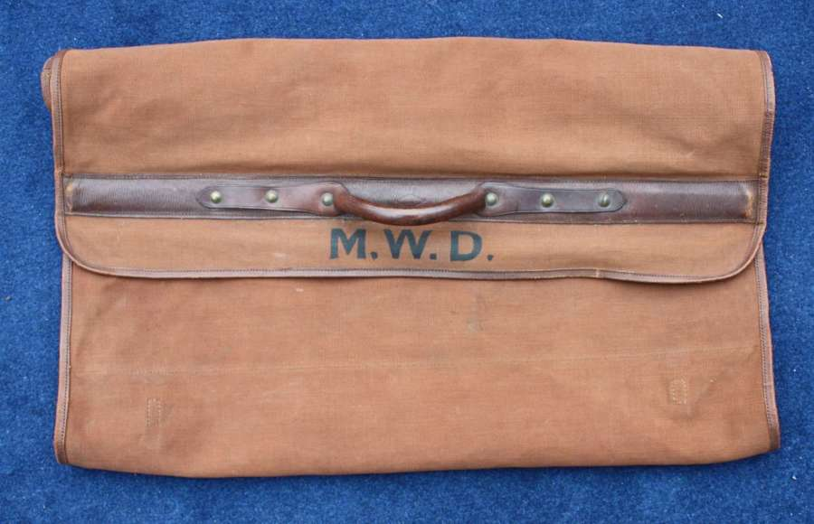 British Army WW1 Officers Valise Case in Very Good Condition.