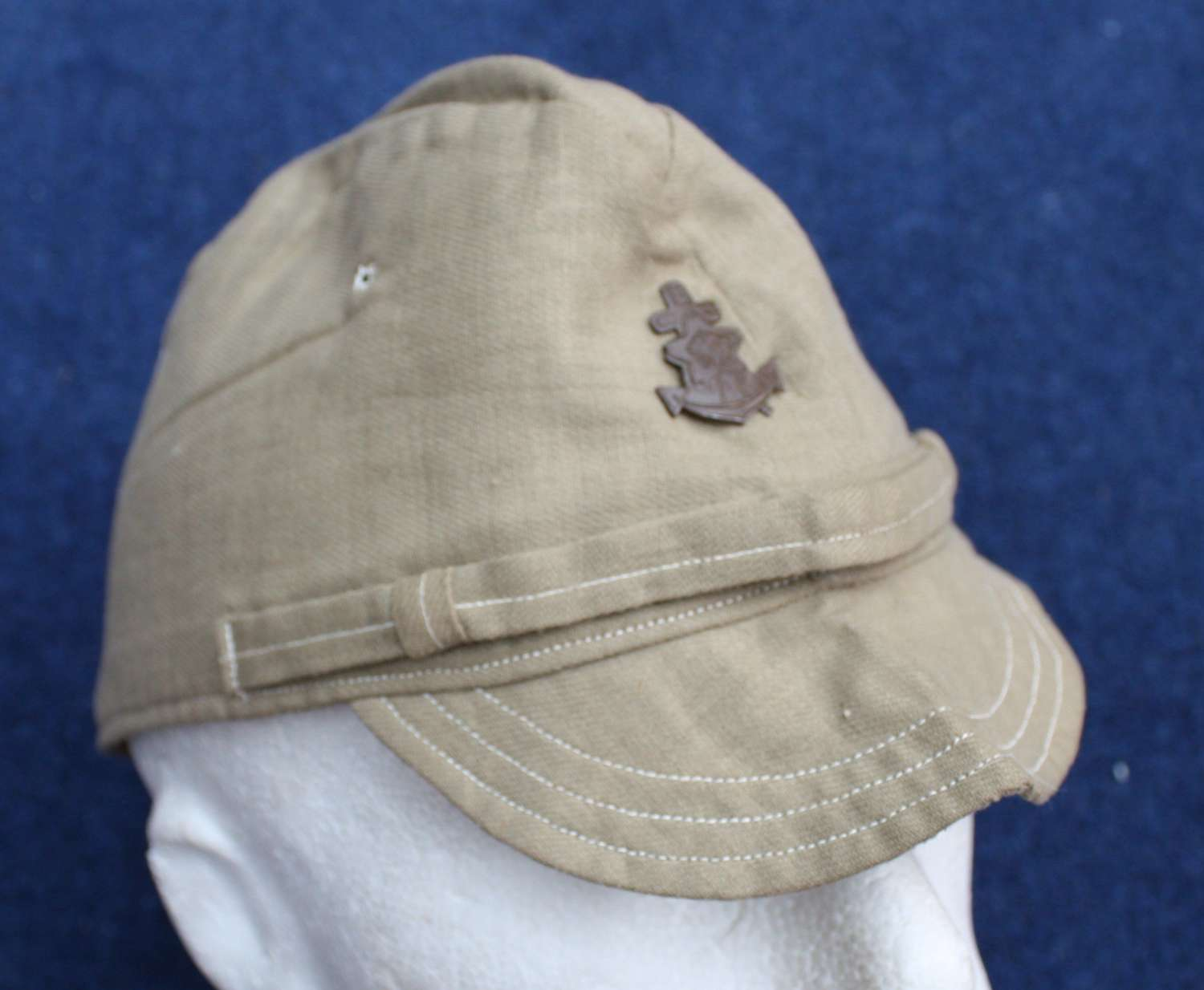 WW2 Japanese Imperial Navy Cotton Cap & Badge