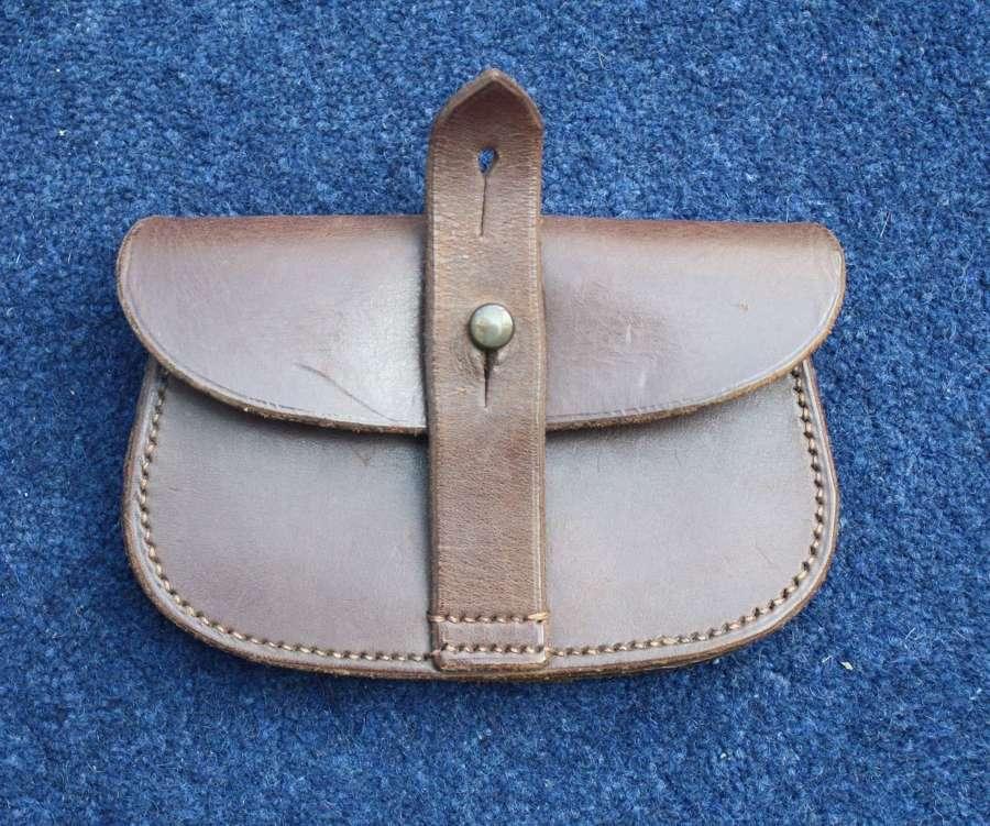 WW1 / WW2 Leather Officers Sam Browne Ammunition Pouch.